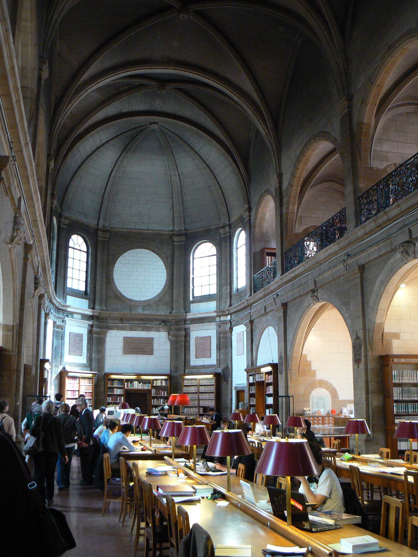 Decret_Bibliothèque_municipale_patrimoniale_et_d'études_(Dijon),_salle_de_lecture
